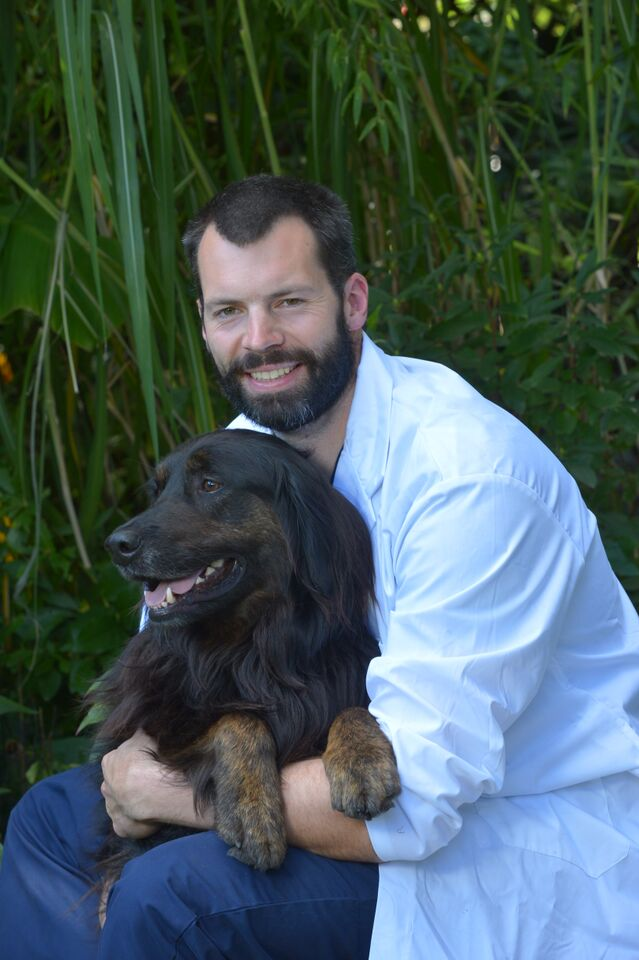 Dr. Even Crawford|Board Certified Surgeon at Boundary Bay Veterinary Specialty Hospital