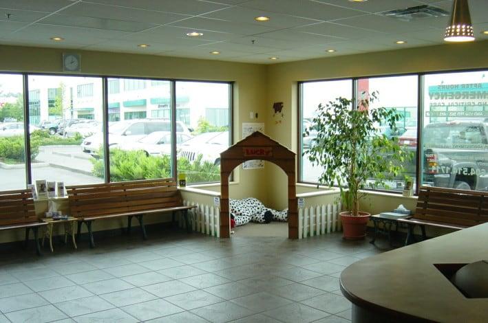 Boundary Bay Veterinary Specialty Hospital Waiting Area